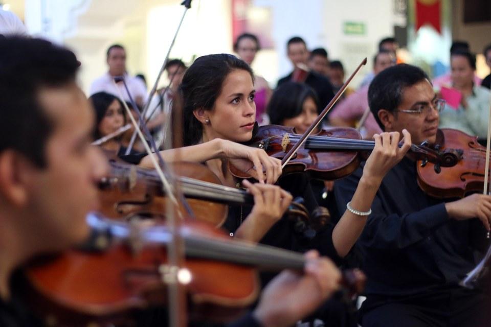 FOTO FILARMONICA EN PLAZA AMERICAS 02