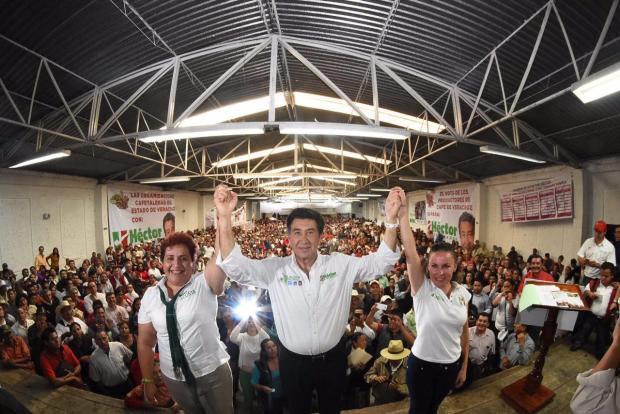 Héctor-Yunes-Landa-Huatusco-encuentro-con-productores-cafetaleros-05-05-2016-01
